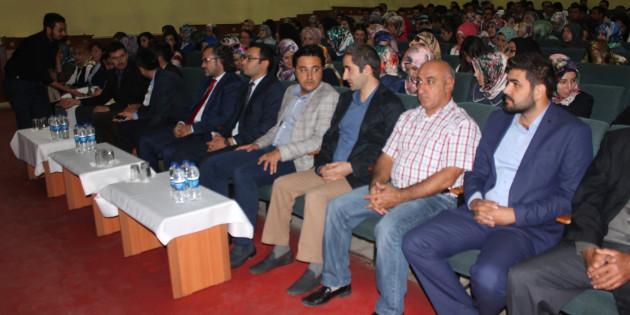 Etkili İletişim ve Beden Dili konferansı düzenlendi