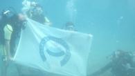 Su altında ASÜ bayrağı açtılar