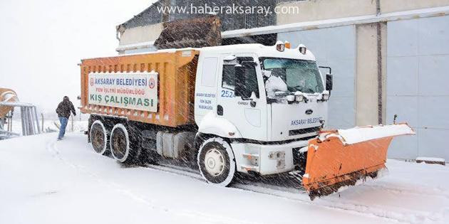 Aksaray Belediyesi karla mücadele başlattı