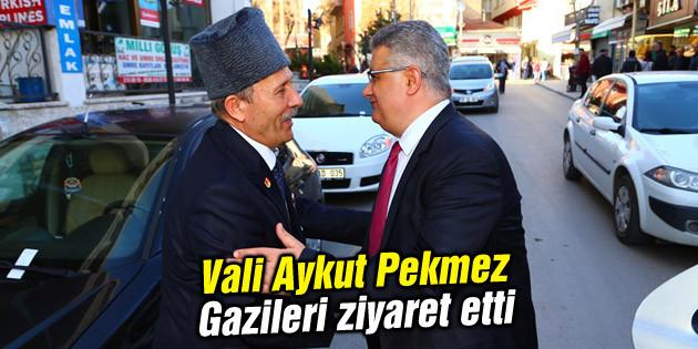 Vali Aykut Pekmez Gazileri ziyaret etti