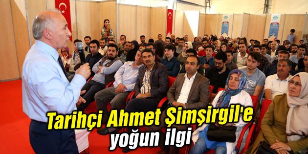 Tarihçi Ahmet Şimşirgil'e yoğun ilgi