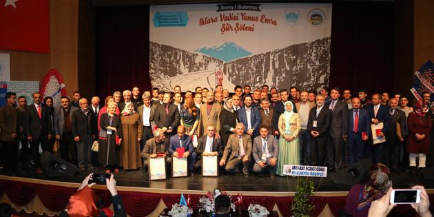 Aksaray'da şairlerden şiir şöleni