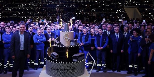 "Mercedes-Benz Türk ile ""Benzersiz 50 Sene"""