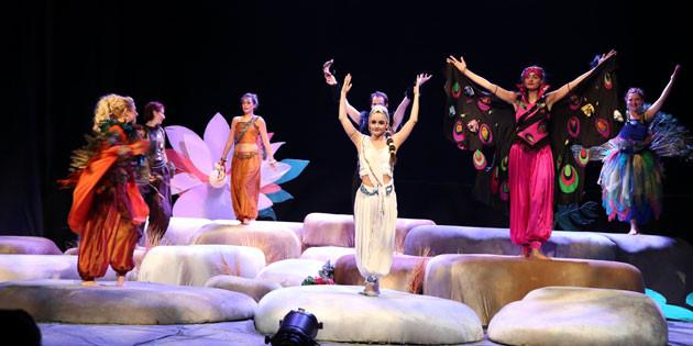 'Purnima ve Sırlar Ormanı' adlı çocuk tiyatrosu sergilendi