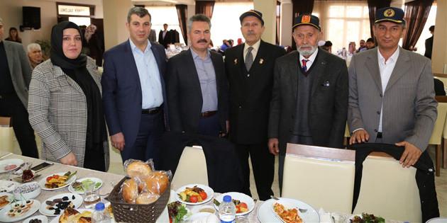 Şehit aileleri ve gaziler için kahvaltı programı düzenlendi