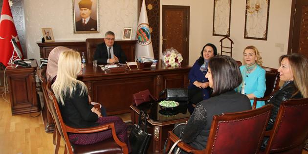 Aksaray İş Kadınları Derneğinden Vali Aykut Pekmez'e ziyaret
