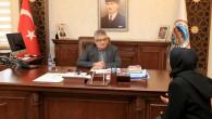 Vali Pekmez 'Halk Günü'nde vatandaşların taleplerini dinliyor