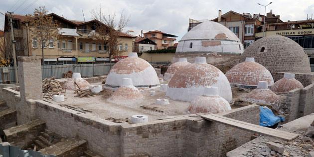 800 yıllık tarihi II.Kılıçarslan Hamamı gün yüzüne çıkıyor
