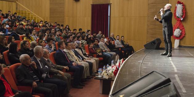 Kütüphane Haftası Kültür Merkezi'nde düzenlenen törenle kutlandı
