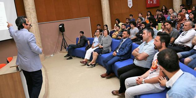 Profesör Yılmaz, Adnan Menderes Üniversitesi'nde konferans verdi