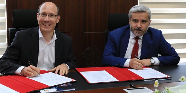 ASÜ ile Mercedes Benz arasında ortak eğitim protokolü