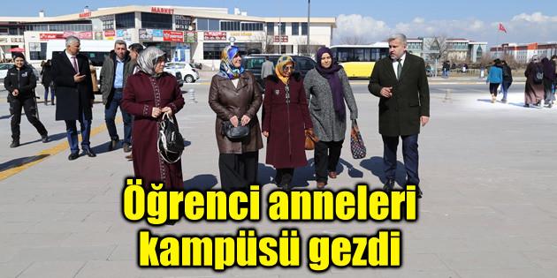 Öğrenci anneleri kampüsü gezdi
