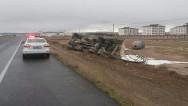 Aksaray'da süt tankeri devrildi: 1 yaralı