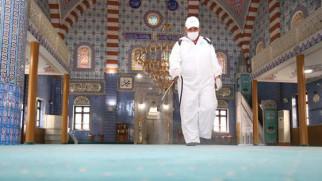 Aksaray'da yeniden ibadete açılacak camiler dezenfekte ediliyor
