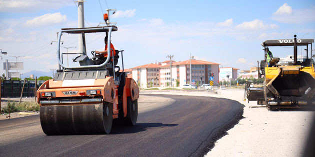Aksaray Belediyesi asfalt serim çalışmalarını hızlandırdı