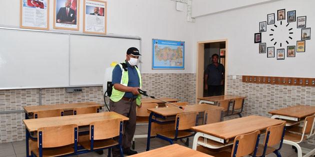 Aksaray'da sınavların yapılacağı okullar dezenfekte ediliyor