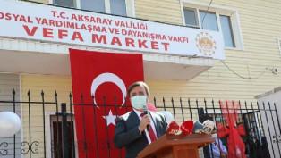 """Aksaray'da ihtiyaç sahipleri için kurulan """"Vefa Market"""" açıldı"""