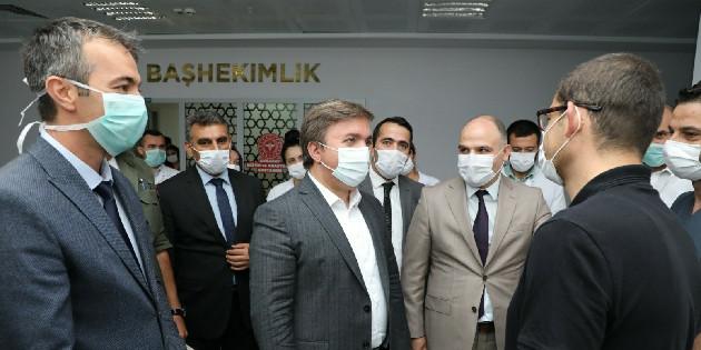 Vali Hamza Aydoğdu'dan sağlık çalışanlarına moral ziyareti