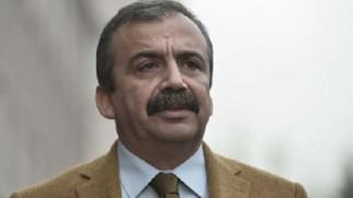 HDP'li Sırrı Süreyya Önder Aksaray'da gözaltına alındı