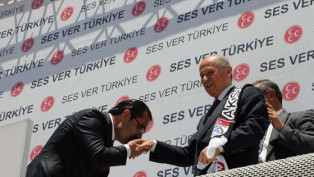 MHP'de Karabatak adaylıktan çekildi!