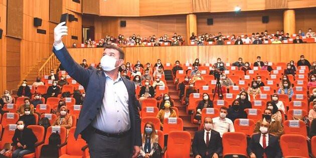 Başkan Dinçer yeni atanan 455 öğretmenle bir araya geldi