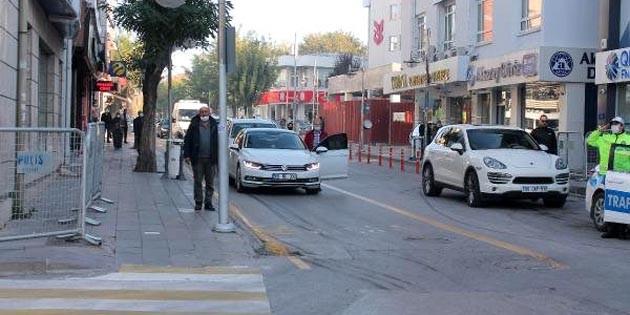 Aksaray'da 09:05'te hayat durdu