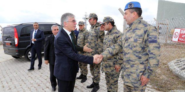Vali Şeref Ataklı Hava Radar Kıta Komutanlığını ziyaret etti
