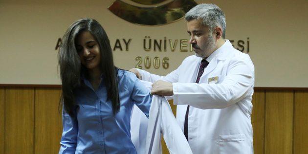 Veteriner Hekim adayları 'Beyaz Önlük' giydi