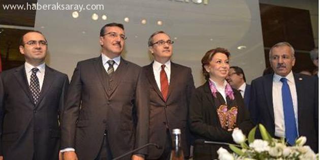 Cenap Aşçı bakanlık görevini Bülent Tüfenkci'ye devretti