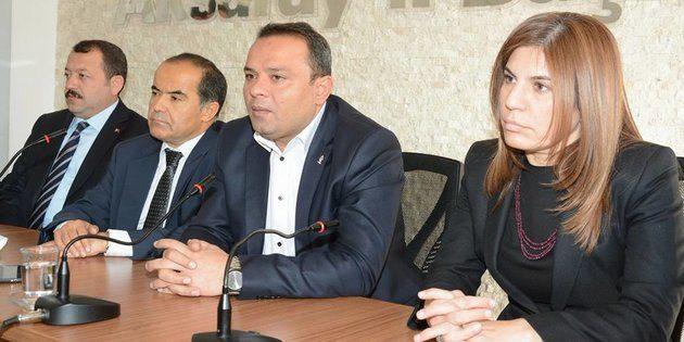 Ak Parti ilk basın toplantısını gerçekleştirdi