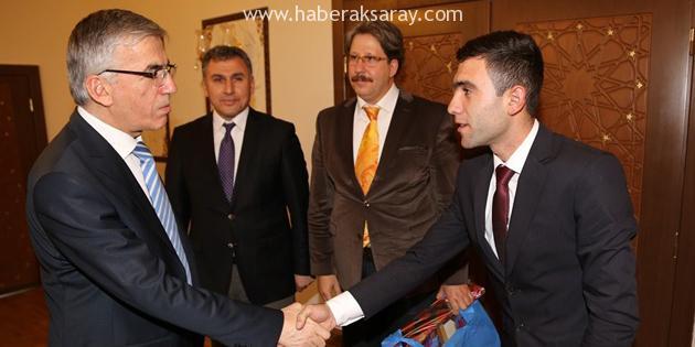 İl Öğrenci Meclis Başkanı Recep Baylan Vali Şeref Ataklı'yı ziyaret etti