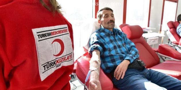 Aksaray'da öğretmen ve öğrencilerden kan bağışı