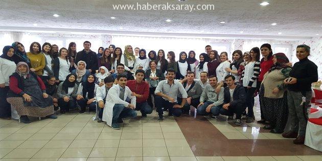 ASÜ öğrencilerinden Huzurevi'nde tiyatro gösterisi