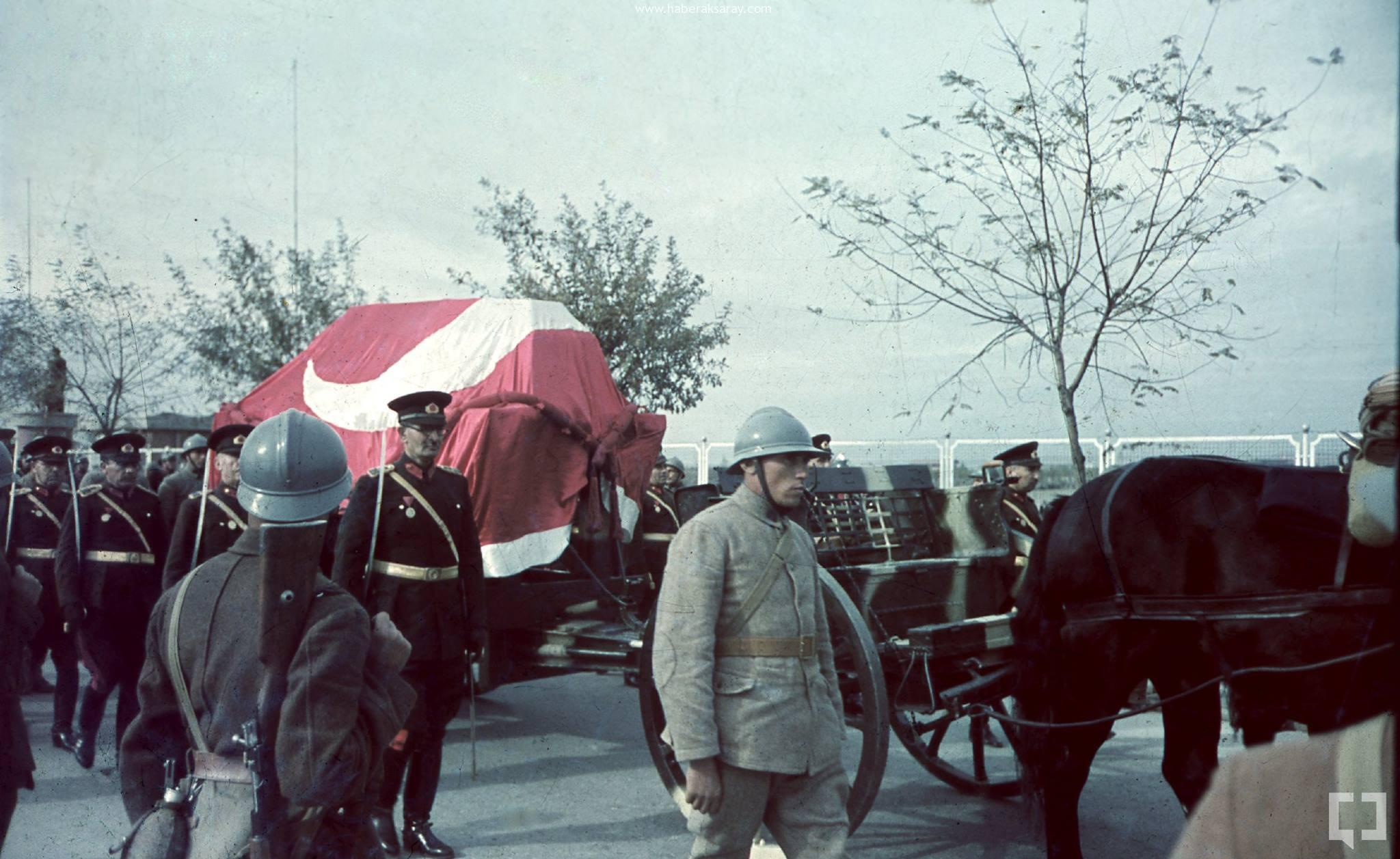 Atatürk'ün Naaşının orjinal nakil fotoğrafları