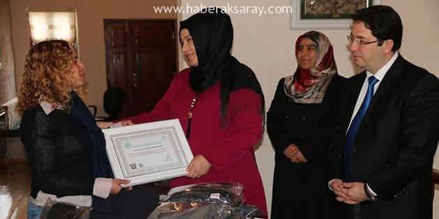 """Aksaray'da """"İlmek ilmek kardeşlik örgüsü"""" kampanyası"""