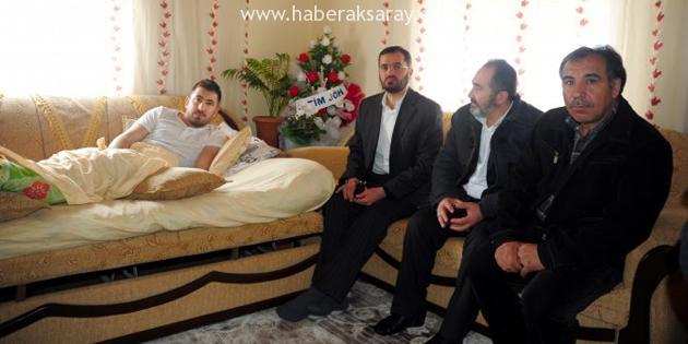 Yaralı Uzman Çavuş'tan Bayırbucak Türkmenlerine yardım