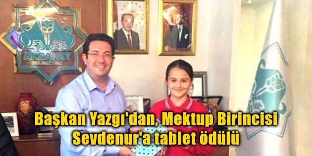 Başkan Yazgı'dan, Mektup Birincisi Sevdenur'a tablet ödülü