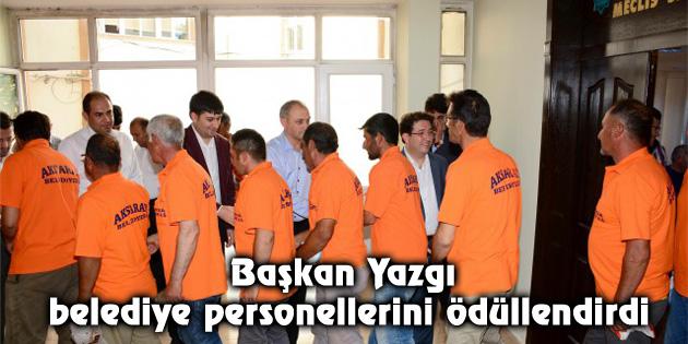 Başkan Yazgı belediye personellerini ödüllendirdi