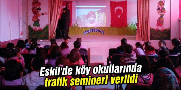 Eskil'de köy okullarında trafik semineri verildi