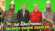 Vali Aykut Pekmez Akçakoca standını ziyaret etti