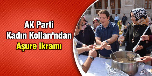 AK Parti Kadın Kolları'ndan Aşure ikramı