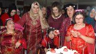 Engelli genç kızlara özel kına gecesi düzenlendi