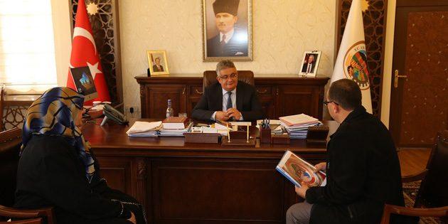 Vali Pekmez 'Halk Günü' toplantılarına devam ediyor