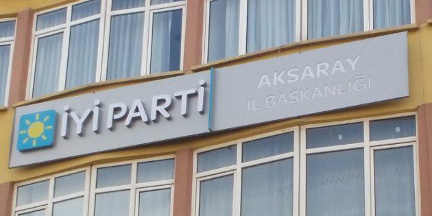 İYİ Parti Aksaray'da tabelasını astı