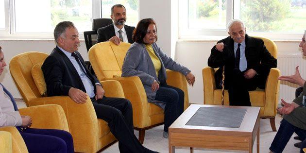 Beyazay Derneği Genel Başkanı ASÜ'yü ziyaret etti