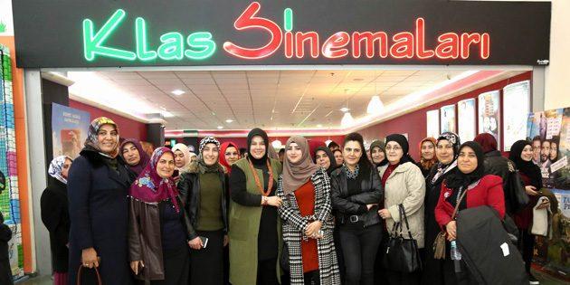 Gülağaçlı kadınlar sinema izleyip, tarihi mekanları gezdi