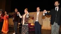 'Ömrümsün Doktor' tiyatro oyunu büyük ilgi gördü
