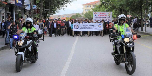 'Trafikte Çocuk Güvenliği' yürüyüşü yapıldı