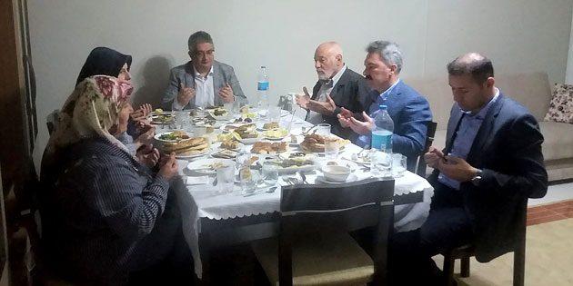 Vali Pekmez Şehit Yalçın Sevindi'nin ailesi ile iftar yaptı