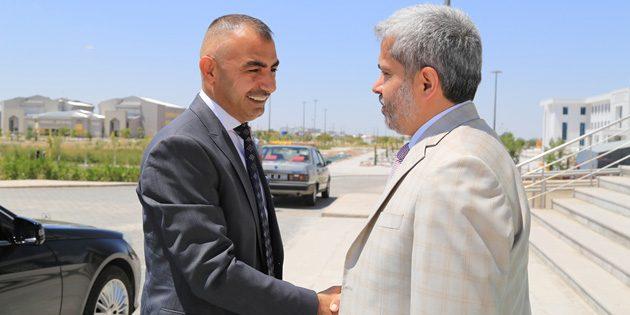Irak Kültür Ataşesi Rektör Şahin'i ziyaret etti
